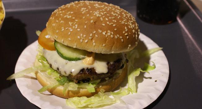 Madanmeldelse: Burger afslører sandhed om par nummer 7