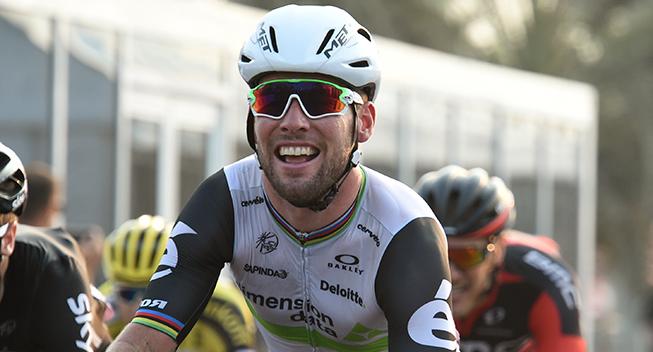 Cavendish vinder det første store sprinteropgør i Abu Dhabi