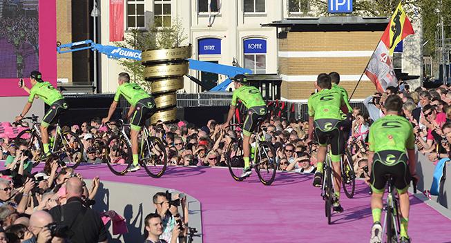 Giro 2016 holdpresentation Apeldoorn Cannondale bagfra