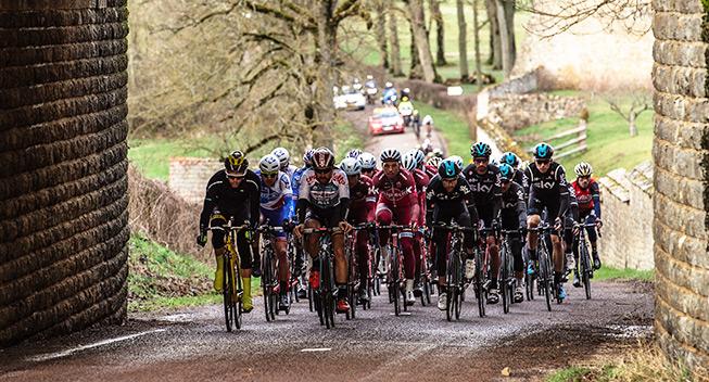 Paris-Nice 3 etape 2017 peloton Sky
